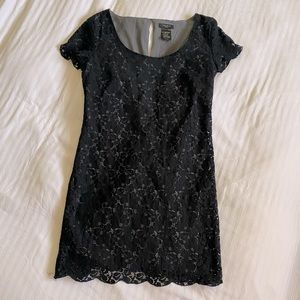 Aritzia Talula Fleetwood Short Sleeve Lace Dress